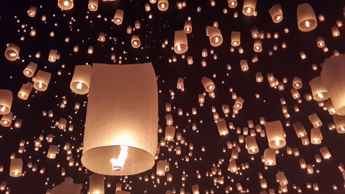 Festival Chiang Mai Day Light Loy Krathong Clifford